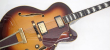 フルアコースティックギター